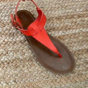 Mossimo Red Thong Sandals, Like New! Size 8.5